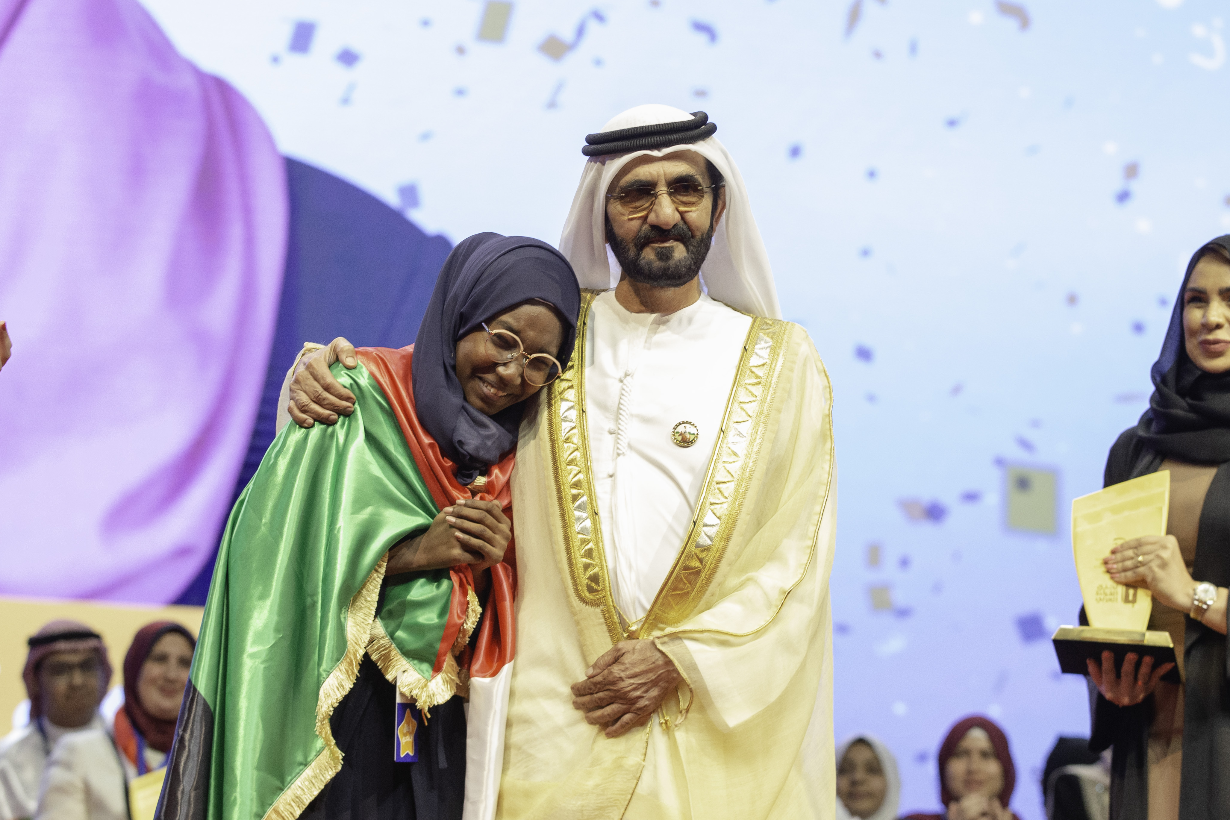 هديل أنور من السودان بطلة تحدي القراءة العربي لعام 2019 راديو الآن